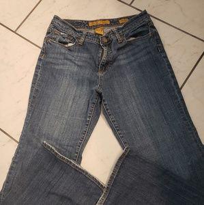 Seven7 flare medium to dark wash Jean's. Size 8